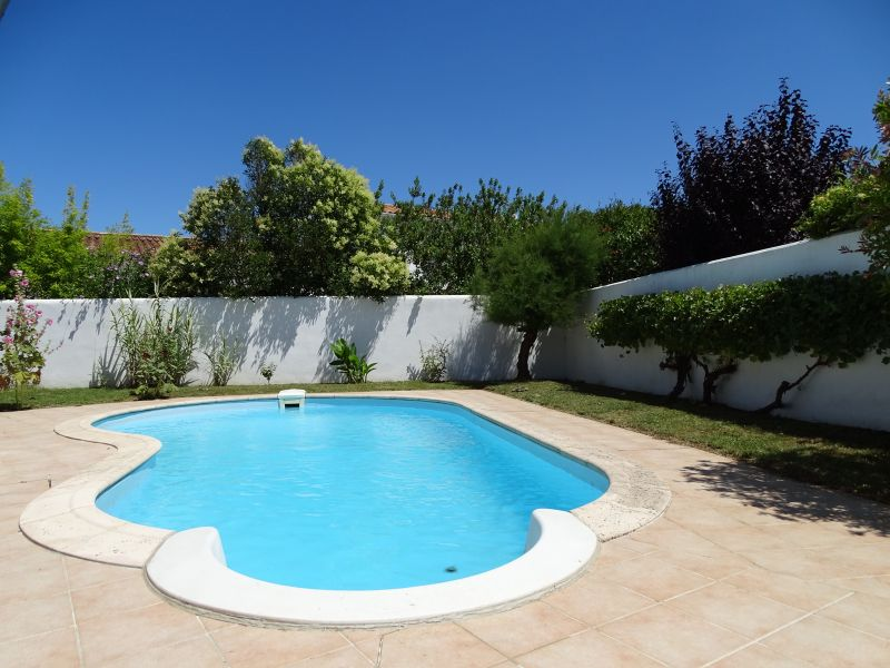 Location ile de r belle villa tout confort avec piscine for Location avec piscine ile de re